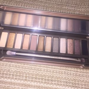 Naked 2 urban decay eye shadow palette